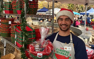 Davis Farmers Market offers free baskets, wrapping on Saturdays